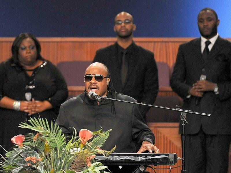 Singer Stevie Wonder performs at the Etta James' funeral in Gardena, California. (AFP PHOTO/Valerie Macon)