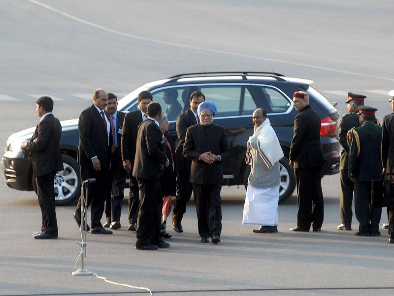 Prime Minister Manmohan Singh arrives to attend the beating retreat ceremony at Vijay Chowk in New Delhi. Agencies