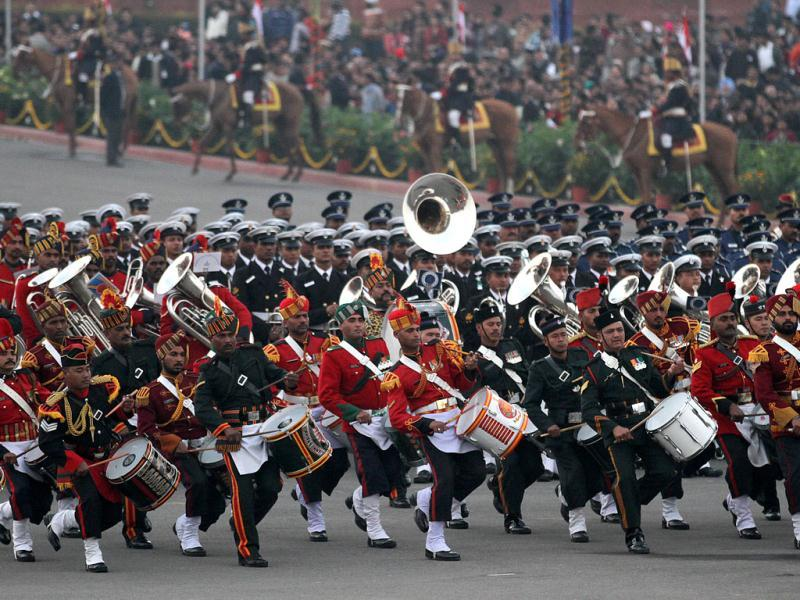 Army bands perform during the beating retreat ceremony at Vijay Chowk in New Delhi. VIRENDRA SINGH GOSAIN /HT