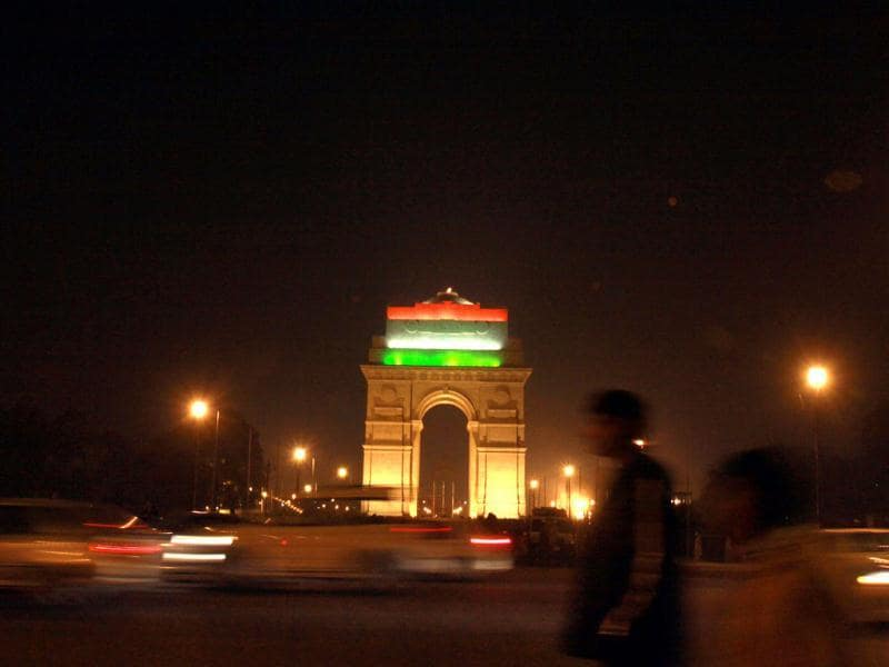 Illuminated India Gate with national tricolour during beating retreat ceremony in New Delhi. HT photo ARIJIT SEN