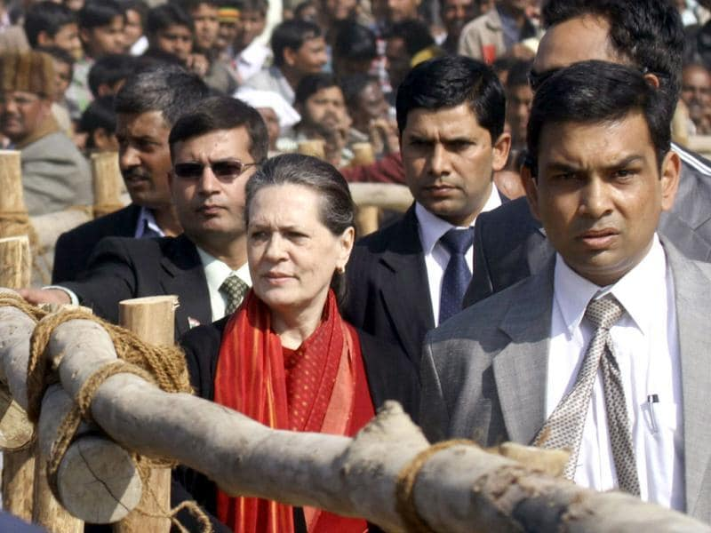 Congress party President Sonia Gandhi leaves after addressing a campaign rally ahead of state assembly elections in Gonda, Uttar Pradesh. The state goes to the polls from February 8. Reuters/Pawan Kumar
