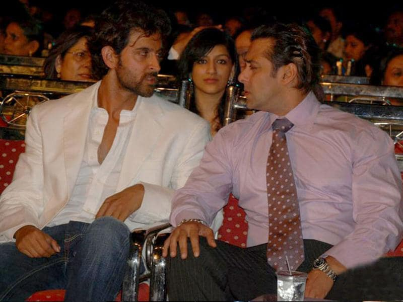 They may seem like they're amidst an argument right now but Hrithik and Salman seem to have finally called truce after Salman took digs at Hrithik's film Guzaarish. Eventually, Hrithik declared it was his fault.
