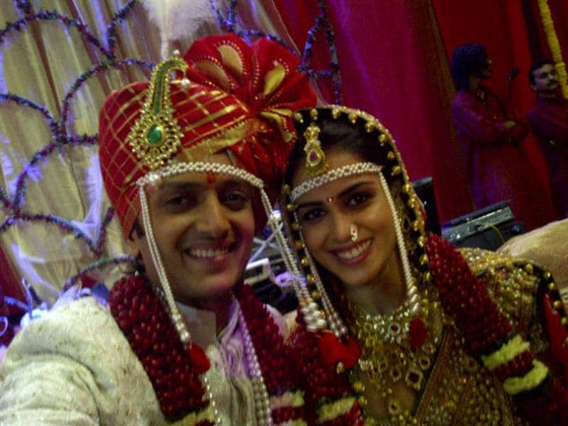 The wait is over! Lovebirds Riteish Deshmukh and Genelia D'Souza have finally tied the knot. Riteish tweeted his wedding pic with a caption - Mr and Mrs Deshmukh. We wish the couple a happy married life.
