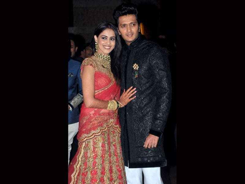Genelia and Riteish can't stop smiling.