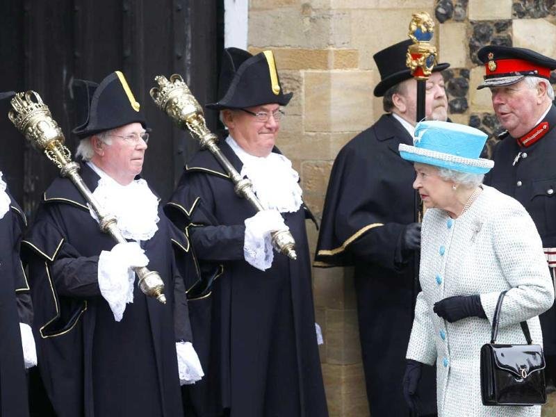 Britain's Queen Elizabeth arrives to visit the Town Hall in King's Lynn in Norfolk, eastern England. (Reuters/Andrew Winning)