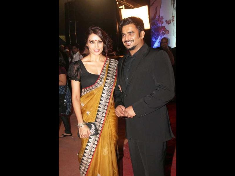 Bipasha Basu with her Jodi Breakers co-star R Madhavan.