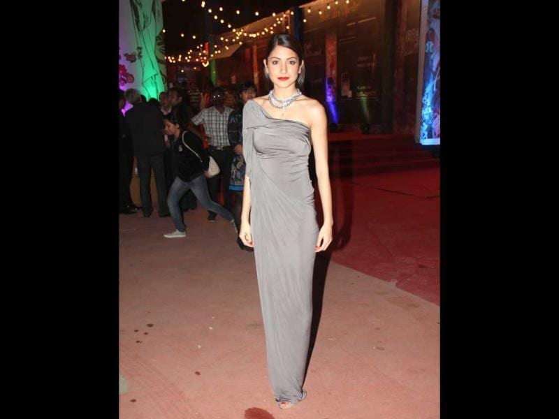 Anushka Sharma sizzles in a grey gown.