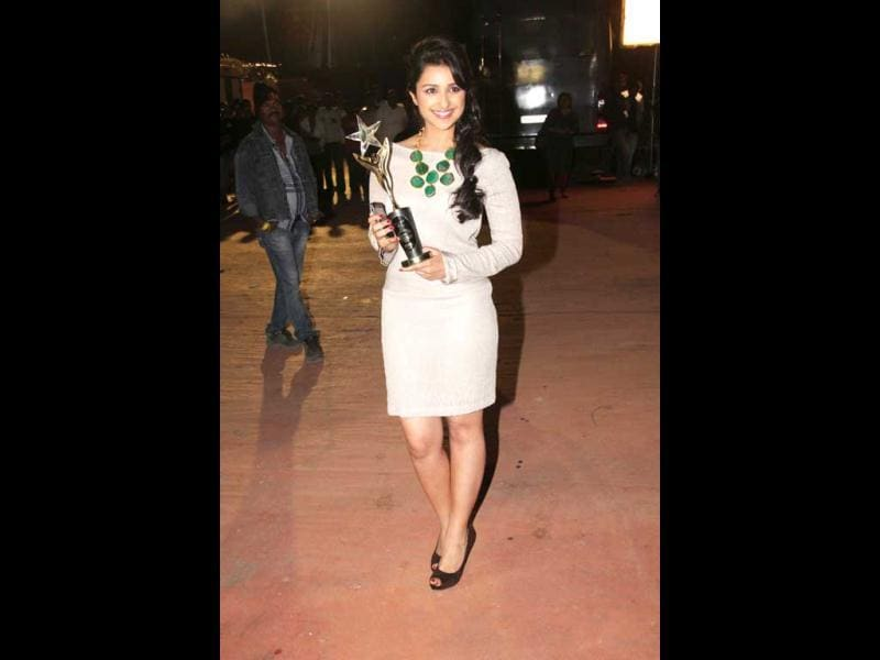 Parineeti Chopra flaunts her award.