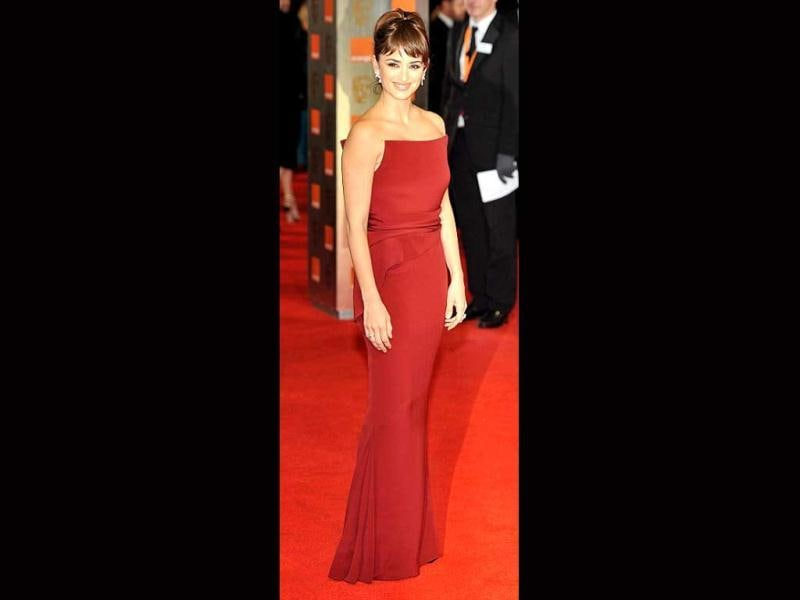 Presenter Penelope Cruz looked pretty in the red gown, though it was a bit of an eyesore against the red carpet.