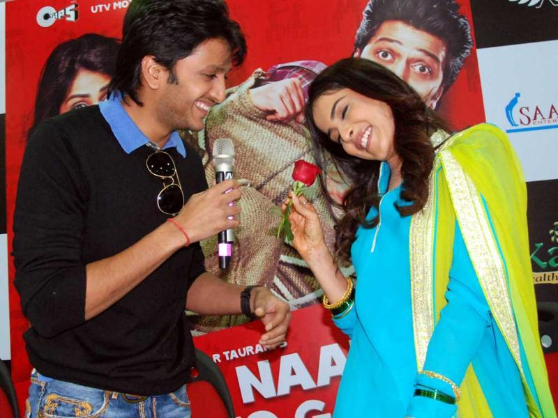 Riteish-Genelia's V-day moment! (HT Photo/Sarvesh)