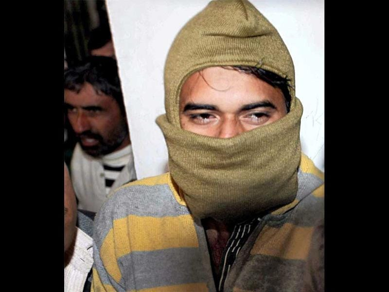Kamal Chauhan being produced in Panchkula district court for his alleged role in the Samjhauta Express blast that left 68 dead. PTI photo