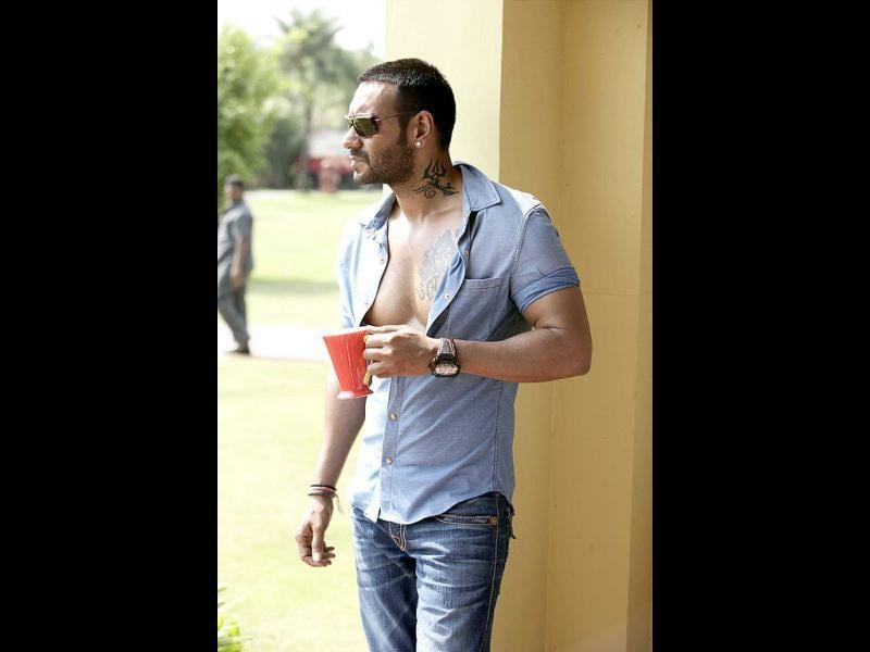 'Serious' Ajay Devgn jazzed up his look with these tattoos.