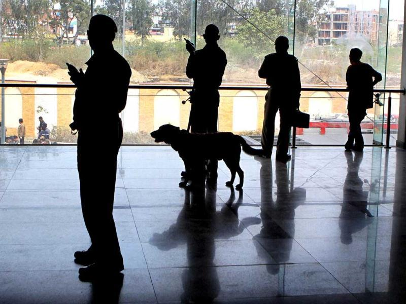 Dog squad seen at the Karkarduma Metro Station during a coordinated mock drill organised by Delhi Disaster Management Authority on earthquake-preparedness in New Delhi. PTI Photo/Manvender Vashist