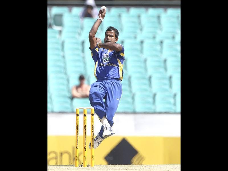 Sri Lanka's cricket player Nuwan Kulasekara bowls during their ODI cricket match against Australia in Sydney, Australia. (Rob Griffith)
