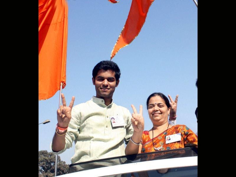 Mother-son duo Parisha and Vihaang Sarnaik, both Shiv Sena candidates from Vartak Nagar, celebrate their victory in the corporation elections in Thane. PTI photo