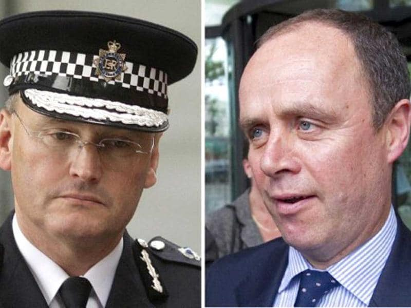 A combination of file pictures shows Sir Paul Stephenson (L) Commissioner of the British Metropolitan Police, and Assitant Commissioner John Yates, both who resigned from their jobs over the phone hacking scandal. AFP PHOTO/STAFF