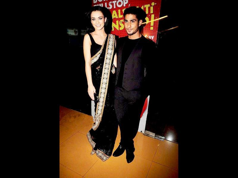 Prateik Babbar and Amy Jackson sizzled in black as they attended the premiere of their latest release Ek Deewana Tha. Check out the premiere pics.
