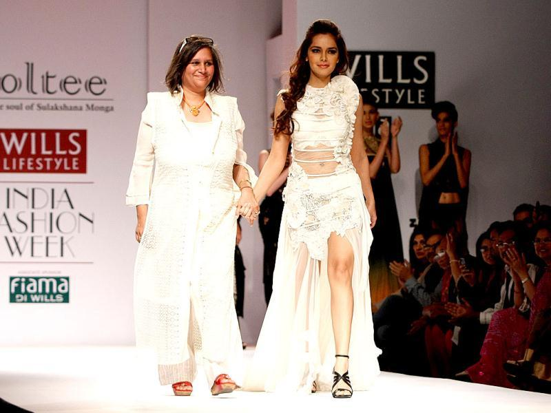 Shazahn Padamsee walked the ramp for Sulakshana.