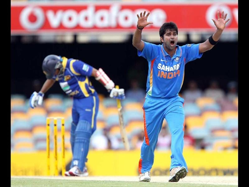 Vinay Kumar appeals for the wicket of Tillakaratne Dilshan during the One Day International cricket match between Sri Lanka and India in Brisbane. AP/Tertius Pickard