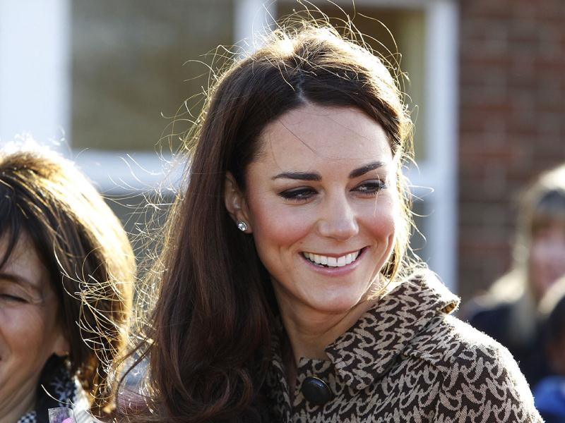 The Duchess of Cambridge arrives at Rose Hill Primary School in Oxford, England. (AP Photo/Lefteris Pitarakis)
