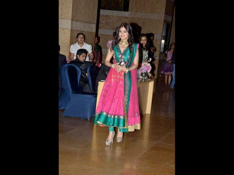 Shamita Shetty in a bright anarkali looks pretty.