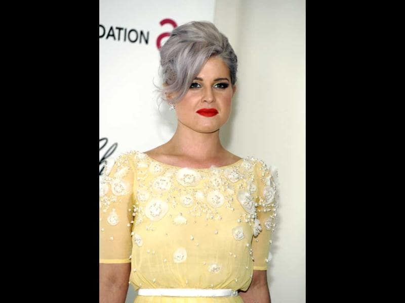 Kelly Osbourne looks not too great at the Elton John AIDS Foundation Academy Awards Viewing Party. (Photo: AP)