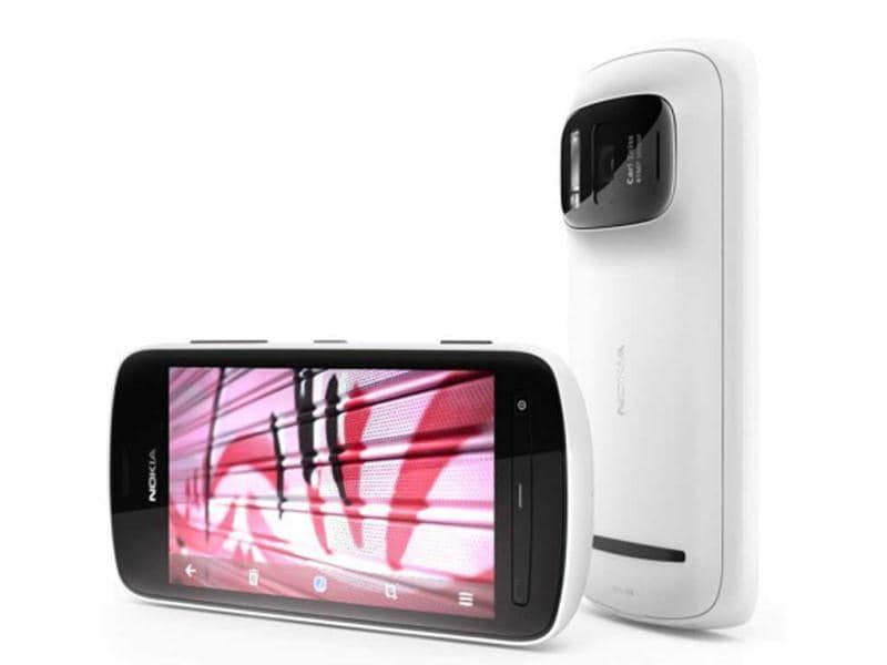 Nokia 808: With 41MP camera and Nokia's proprietary PureView technology, the latest Nokia phone launched at MWC 2012 is by far the best camera phone ever produced!