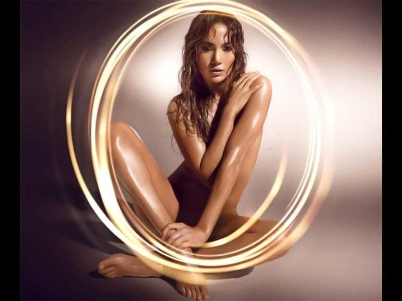 Jennifer Lopez stripped naked for the advert of her 18th fragrance, Glowing.