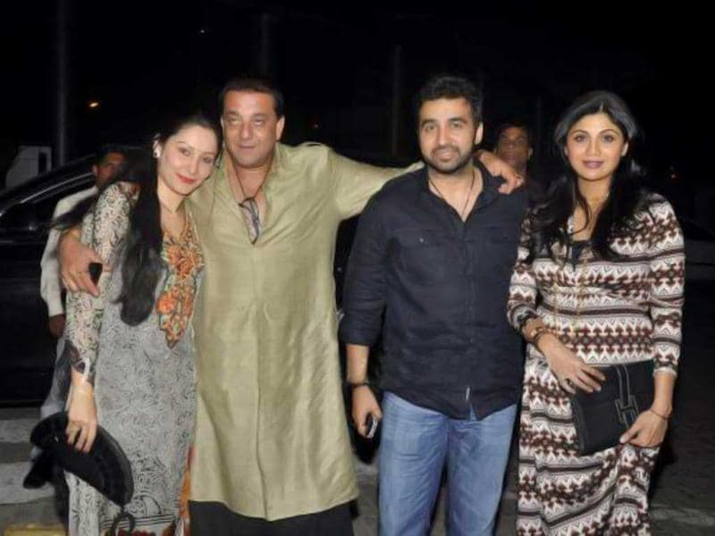 Sanjay, Maanyata, Shilpa and Raj were spotted having a gala time at the Super Fight League Dinner. Check out the pics.