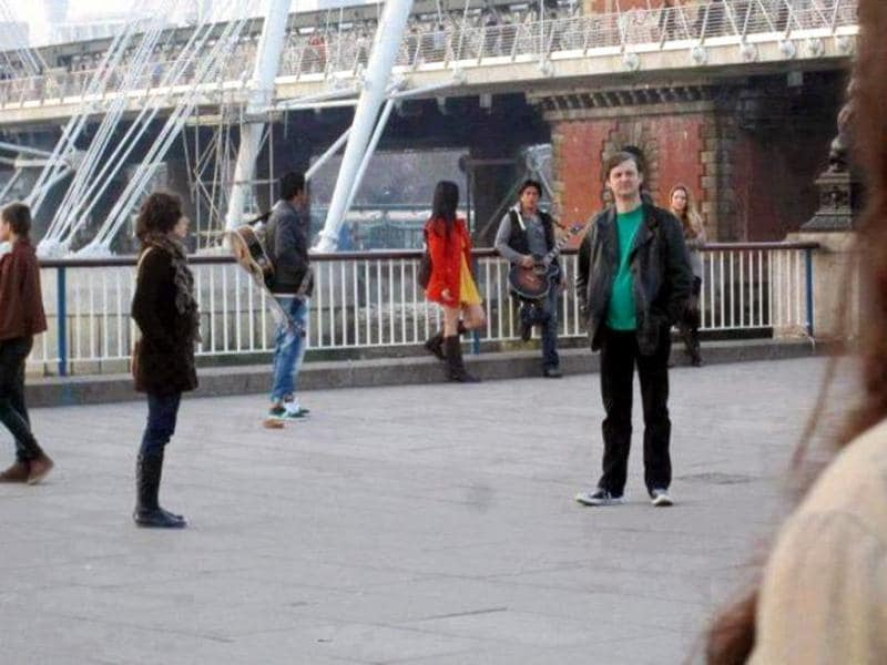 SRK, the King of romance, is back with another romcom. He was spotted shooting with Katrina Kaif in London.
