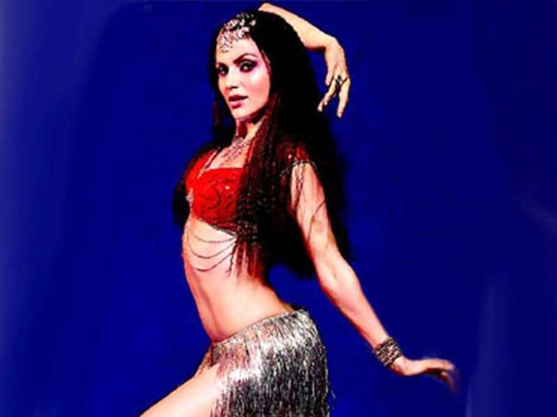 Yana was also seen looking sensuous in a remix of Laila o Laila from Chalo Dilli.