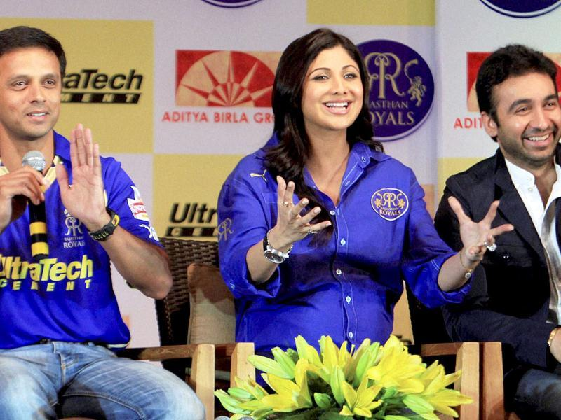 Raj Kundra and Shilpa Shetty with the team captain Rahul Dravid address the media. (PTI Photo)