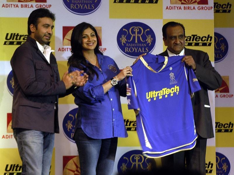 OP Puranmalka (Business Director Ultratech), Raj Kundra, actor Shilpa Shetty Kundra. (UNI Photo)