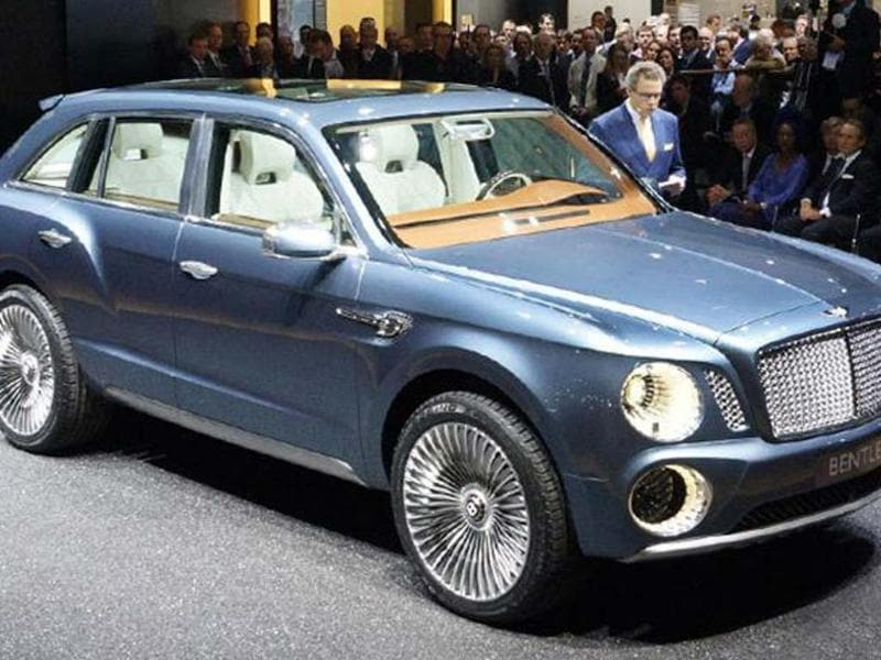 Bentley EXP 9 F SUV previews a potential production model. The most controversial car of the show.