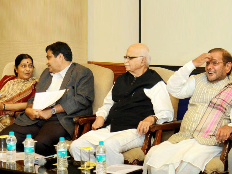 Leader of opposition in the Lok Sabha Sushma Swaraj, BJP national president Nitin Gadkari, senior BJP leader LK Advani and JD (U) president Sharad Pawar during a meeting of NDA floor leaders ahead of the Budget session in New Delhi. HT/Sonu Mehta
