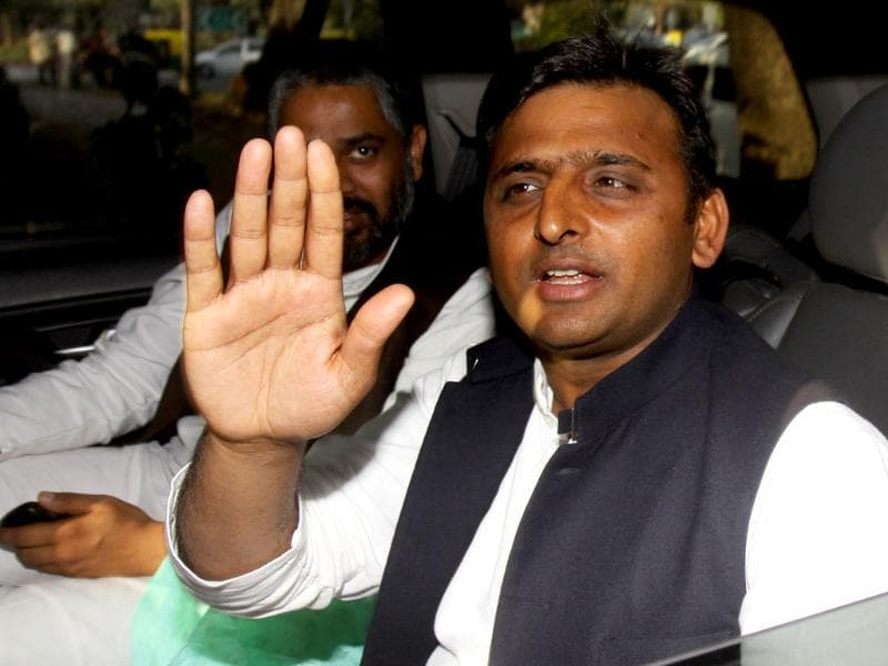 Akhilesh Yadav at Mulayam Singh's residence in New Delhi during his first visit to Delhi after Uttar Pradesh assembly election victory. HT/Arijit Sen