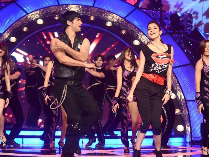 Anushka shakes a leg with TV actor Sushant Singh.