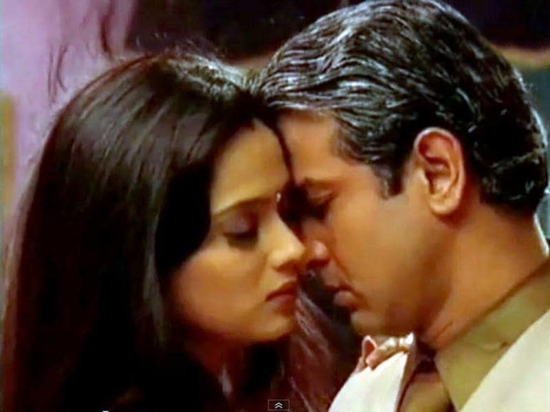 Shweta Tiwari and Ronit Roy in a love-making scene from Kasautii Zindagii Kay.