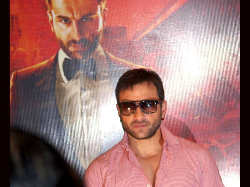 Saif Ali Khan was sans girlfriend Kareena Kapoor, who plays his romantic interest in AV.