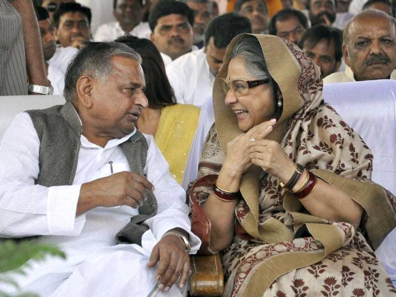 Samajwadi Party chief Mulayam Singh Yadav and MP Jaya Bachchan at the swearing-in ceremony of Uttar Pradesh chief minister Akhilesh Yadav in Lucknow on Thursday. PTI Photo/Nand Kumar