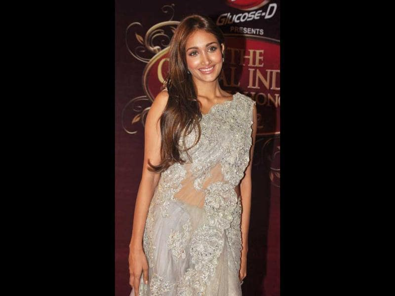 Jiah Khan looks elegant at the awards. (AFP Photo)