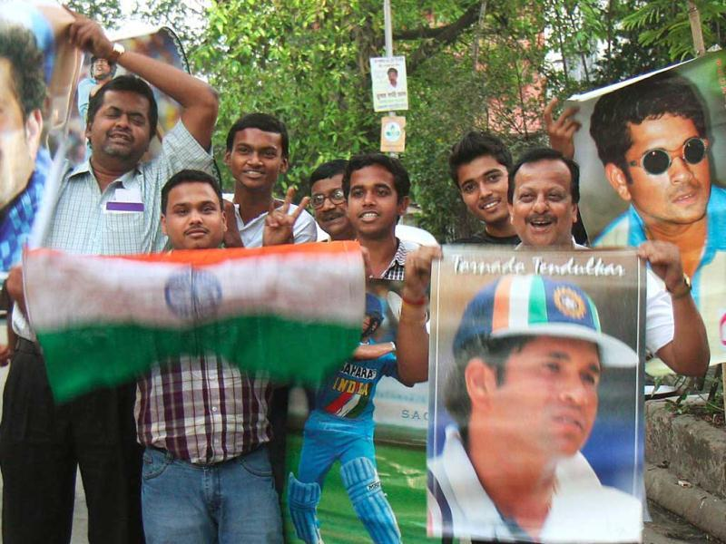 Cricket lovers of Kolkata celebrating Sachin's 100 century in world cricket, against Bangladesh at Mirpur, Dhaka on Friday. HT Photo/Ashok Nath Dey.