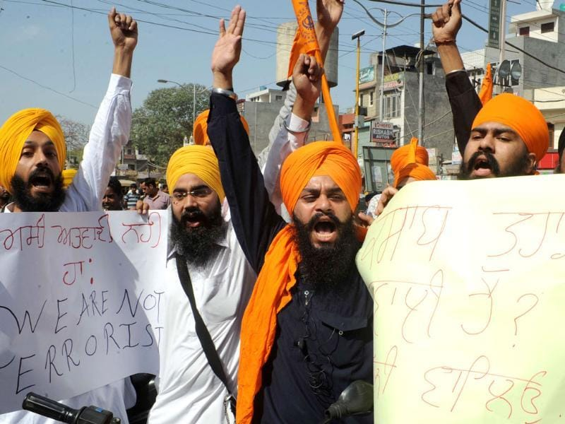 Activists from radical Sikh organisations shout slogans during a protest against the death sentence of Balwant Singh Rajoana in the Beant Singh assassination case, in Amritsar. AFP Photo/Narinder Nanu