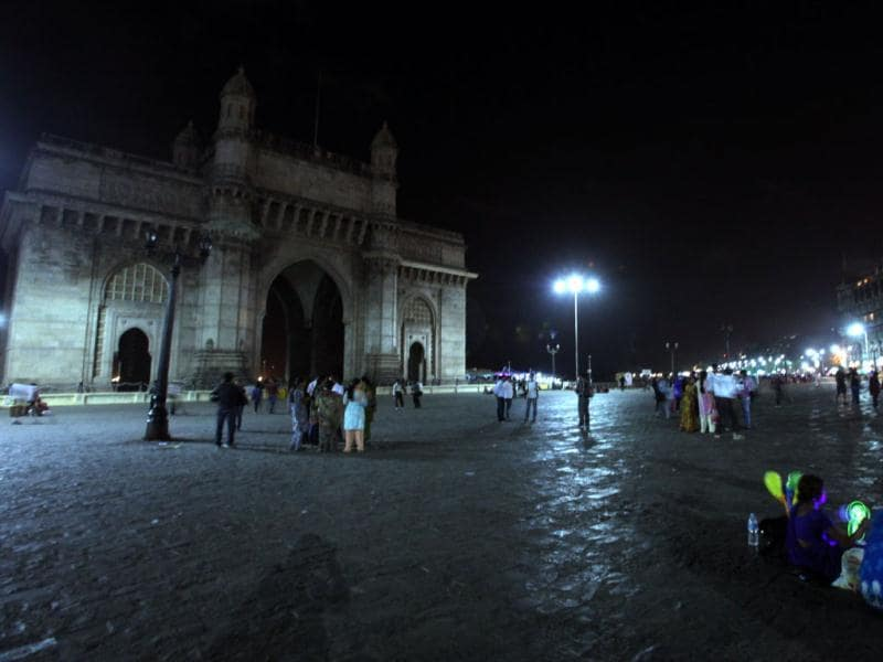Earth Day celebrated at Gateway Of India and Taj Hotel in Mumbai. HT photo by Anshuman Poyrekar