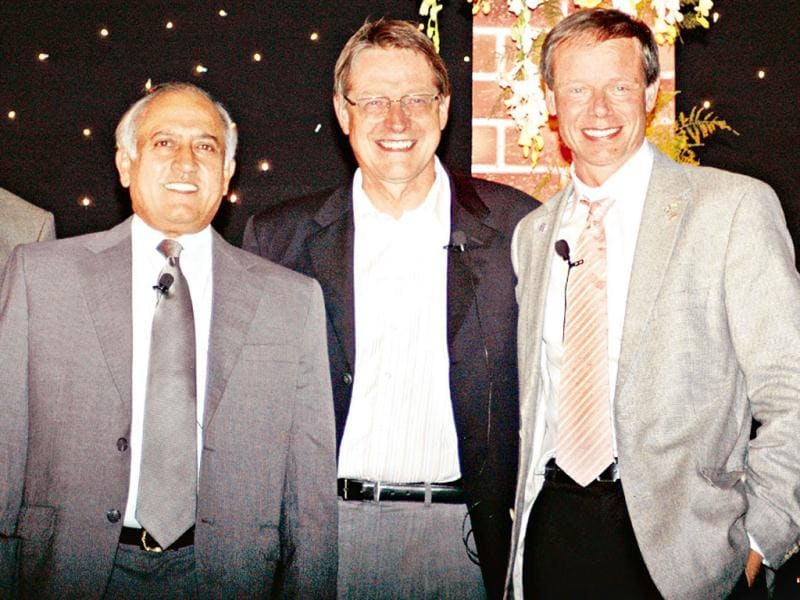 Rakesh Sharma, the first Indian in space, along with Lars Olof Lindgren and Christer Fuglesang (First Swedish astronaut in space) at the embassy of Sweden. HT Photo/Dijeshwar Singh