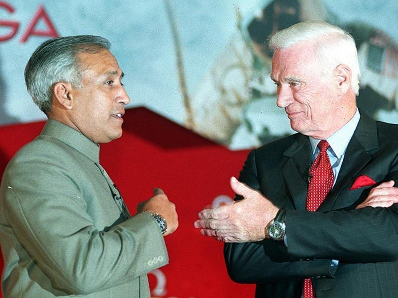 Eugene Cernan last man to walk the moon is seen with Rakesh Sharma, the first Indian in space (1984), at an Omega press conference, Taj Palace. HT Photo/Raj K Raj