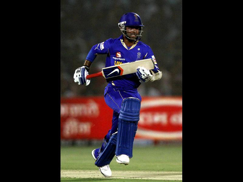 Rajasthan Royals Ajinkya Rahane in action against Kings XI Punjab during the IPL-5 at Sawai Mansingh Stadium in Jaipur. (HT Photo/Verendra Singh Gosain)