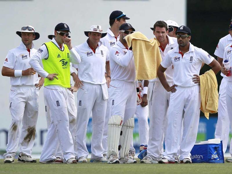 England team waits for the third umpire's decision over an appeal for the wicket of Sri Lankan captain Mahela Jayawardene (not pictured) during the final day of the final Test cricket match in Colombo. The appeal was unsuccessful. Reuters/Dinuka Liyanawatte