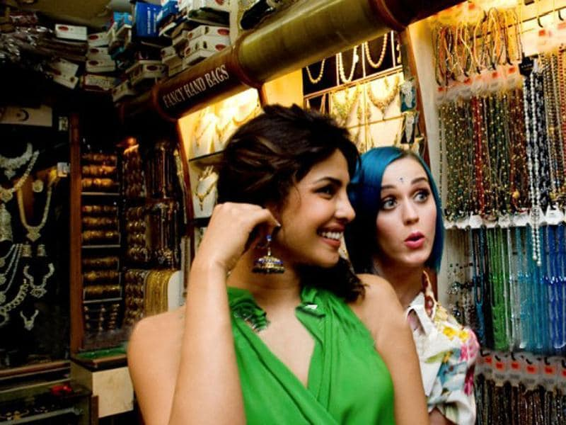 Katy Perry and Priyanka Chopra on a shopping spree.