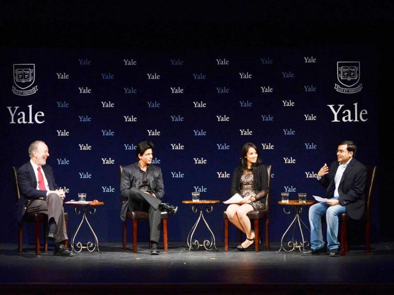 SRK with the Master of Timothy Dwight College, Jeffrey Brenzel, and Yale students. Courtesy: Yale website